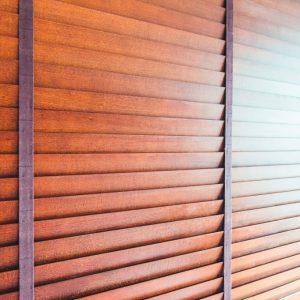 ŻALUZJE DREWNIANE I BAMBUSOWE Producent żaluzji drewnianych i bambusowych 25mm 50mm 65mm 70mm, Żaluzje drewniane elektryczne, żalzuje drewniane białe 31