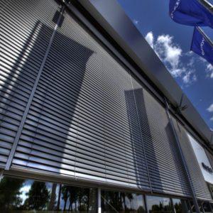 ŻALUZJE FASADOWE Producent żaluzji fasadowych zewnętrznych, żaluzje zewnętrzne aluminiowe stalowe, żaluzje fasadowe typ C, Z, S, żaluzje biurowe 1