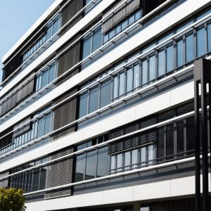 ŻALUZJE FASADOWE Producent żaluzji fasadowych zewnętrznych, żaluzje zewnętrzne aluminiowe stalowe, żaluzje fasadowe typ C, Z, S, fasadówki 16