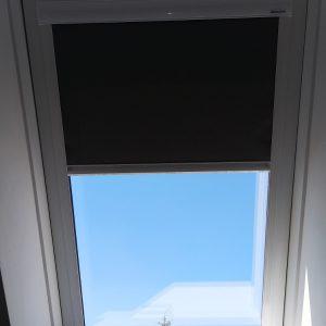 ROLETY DACHOWE Producent rolet dachowych, rolety dachowe do okien połaciowych dachowych, rolety dachowe w kasecie aluminiowej z prowadnicami 5