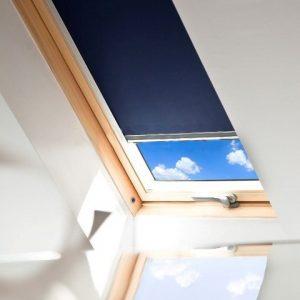 ROLETY DACHOWE Producent rolet dachowych, rolety dachowe do okien połaciowych dachowych, rolety dachowe w kasecie aluminiowej z prowadnicami ze sprężyną -1